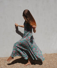 Load image into Gallery viewer, Flamenco Feeling: Aqua