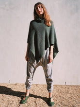 Load image into Gallery viewer, Knitted collared poncho