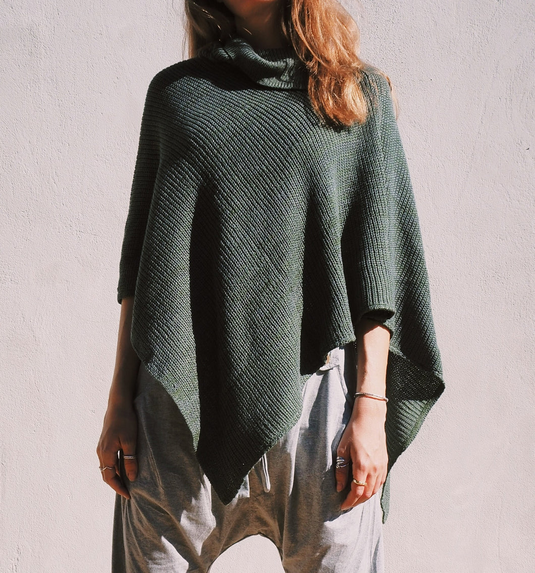 Olive green, knitted poncho/ shawl. Has a collar detail, loose fit.