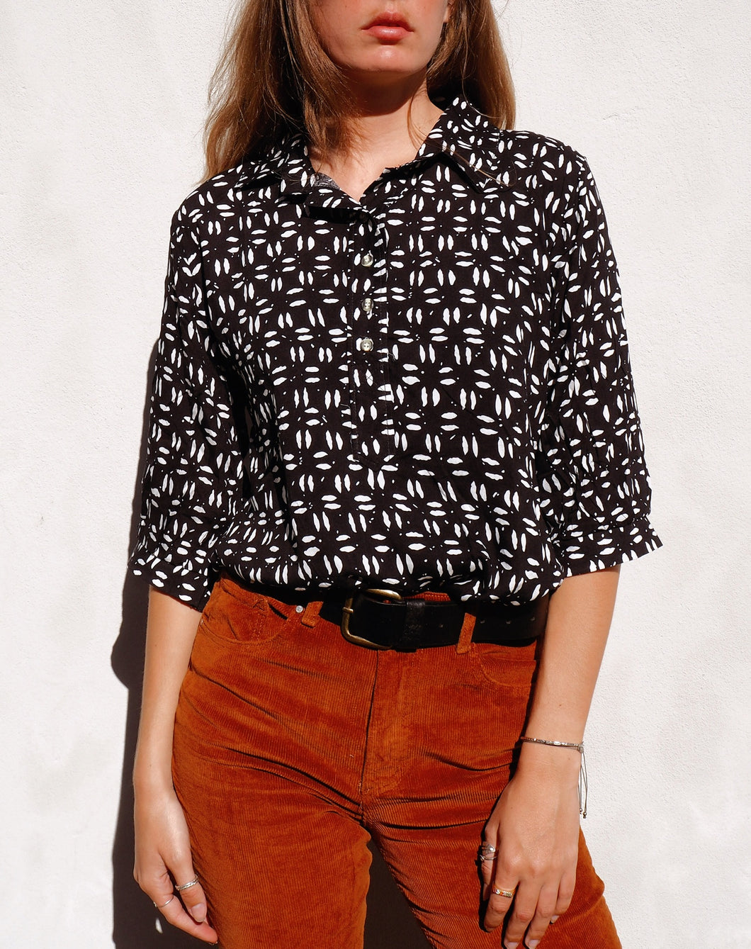 Short collared shirt
