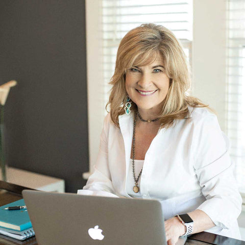 veronica jeans best selling author, ecommerce Shopify coach and mentor