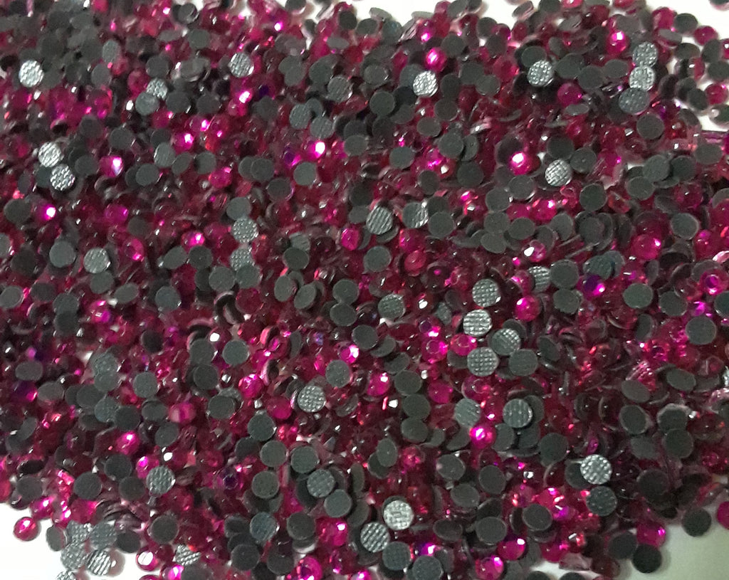2mm (SS06) FUCHSIA HOT FIX RHINESTONES