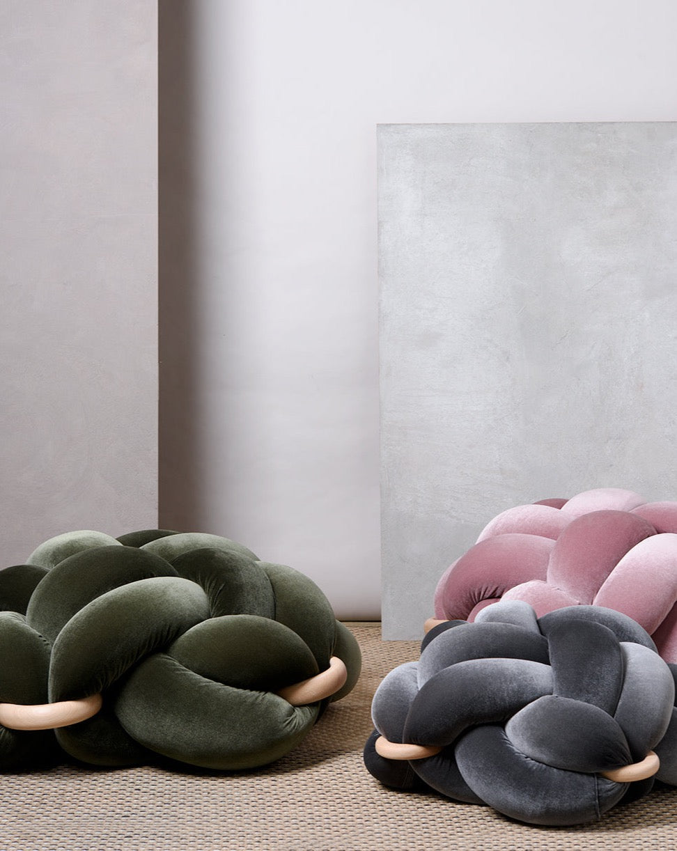(L) Velvet Blush Pink Knot Floor Cushion