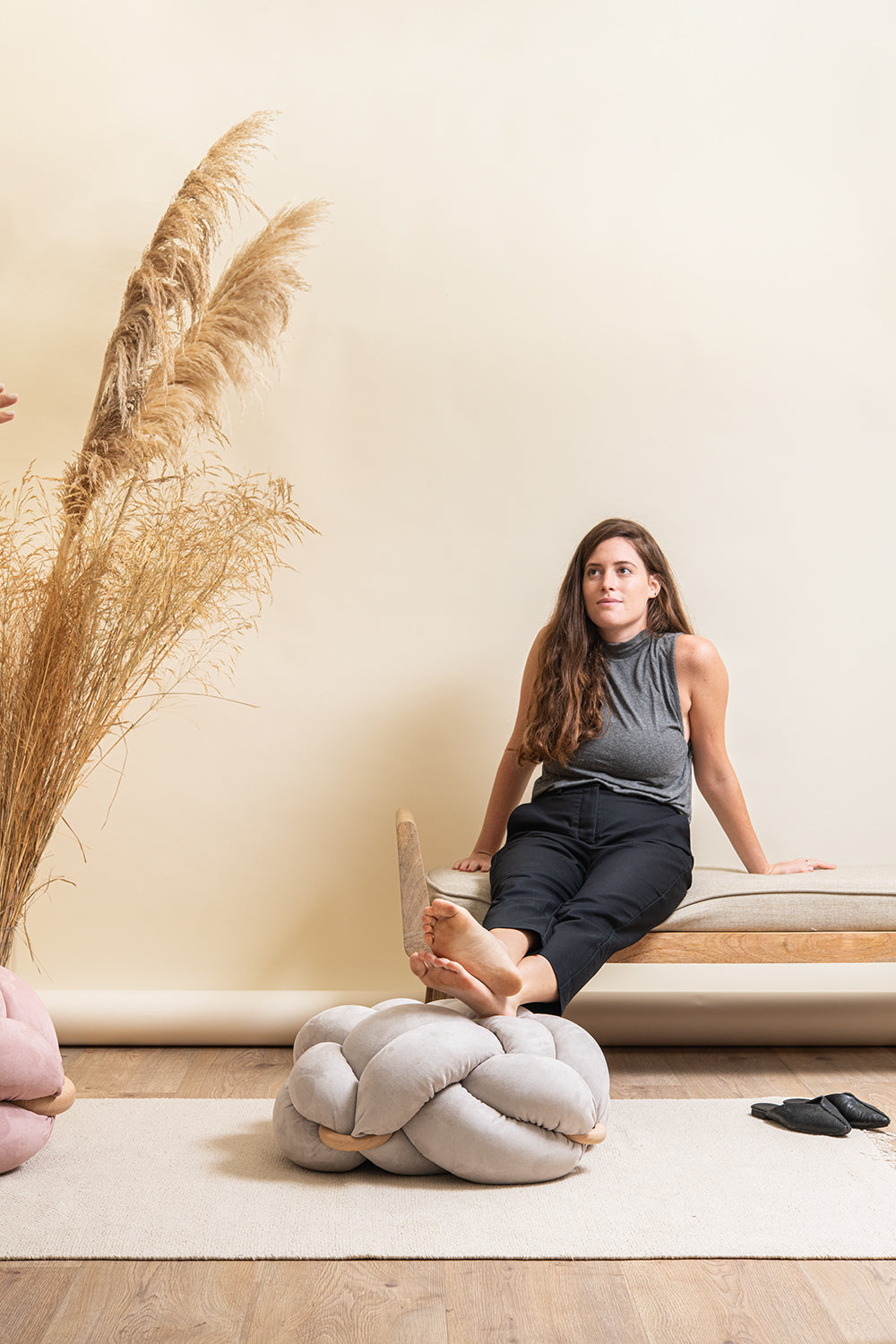 (M) Blue stripes knot floor cushion
