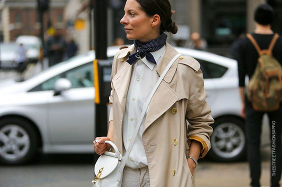 Street style scarf | Les Belles Heures