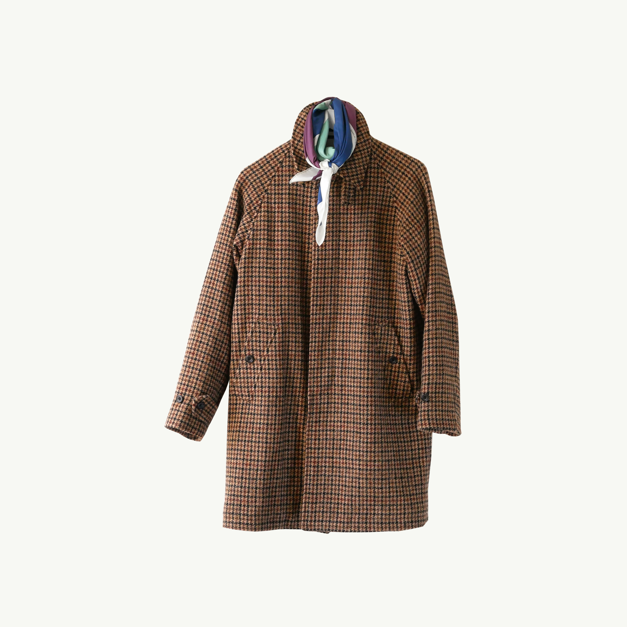 Les Belles Heures Arcipelago, 17h42 100% hand rolled cashmere, modal and silk scarf in our 90cm format worn on an houndstooth tweed Balmacaan coat