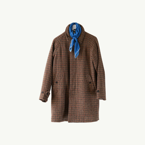 Les Belles Heures Cavallo, 18h17 100% hand rolled cashmere, modal and silk scarf in our 90cm format worn on an houndstooth tweed Balmacaan coat