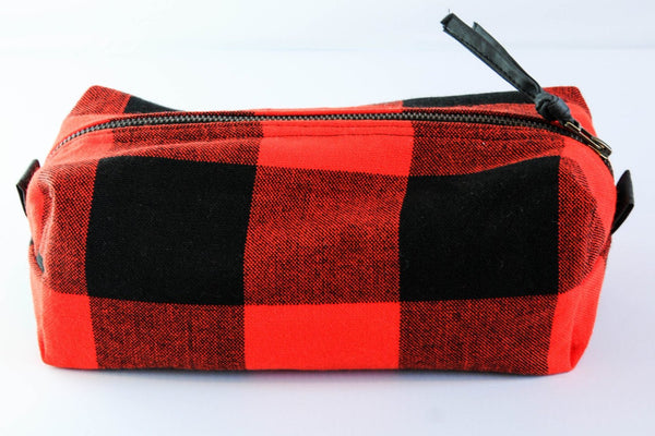 Maasai Shaving Case / Cosmetic Case - Kenyan materials and design for a fair trade boutique