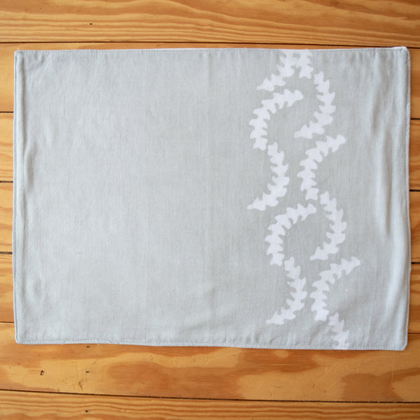 Curved Vine Batik Placemat Set - Kenyan materials and design for a fair trade boutique