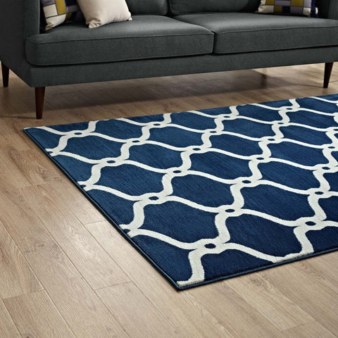 Beltara Chain Link Transitional Trellis Area Rug
