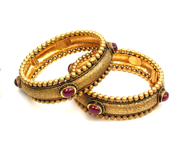 70.20g 22Kt Gold Antique Bangle Set - 1173
