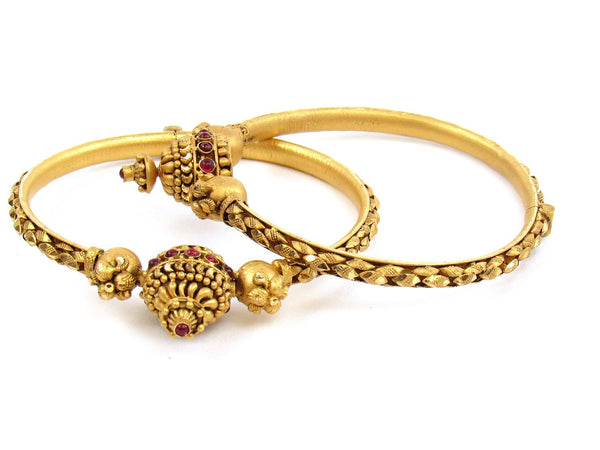 45.15g 22Kt Gold Antique Bangle Set - 1176