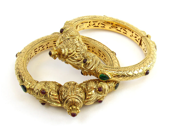 68.43g 22kt Gold Antique Bangle Set - 158