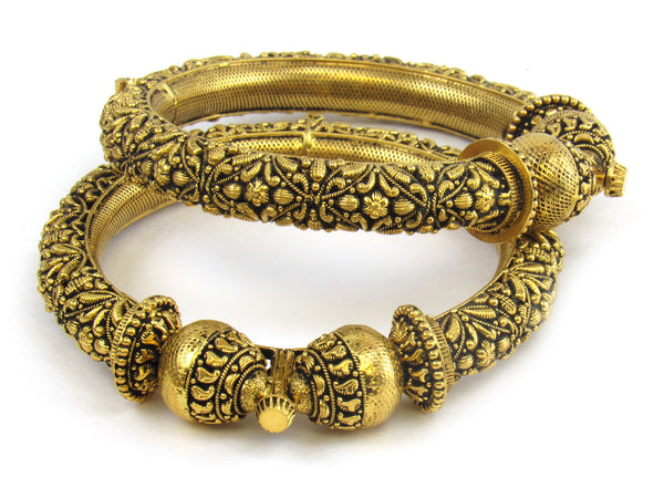 75.70g 22kt Gold Antique Bangle Set - 165