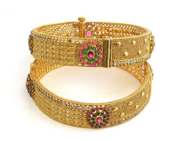58.80g 22Kt Gold Antique Bangle Set - 185