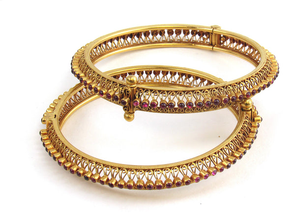 53.90g 22Kt Gold Antique Bangle Set - 186