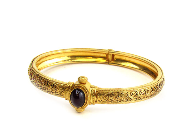 23.70g 22Kt Gold Antique Bangle Set - 192
