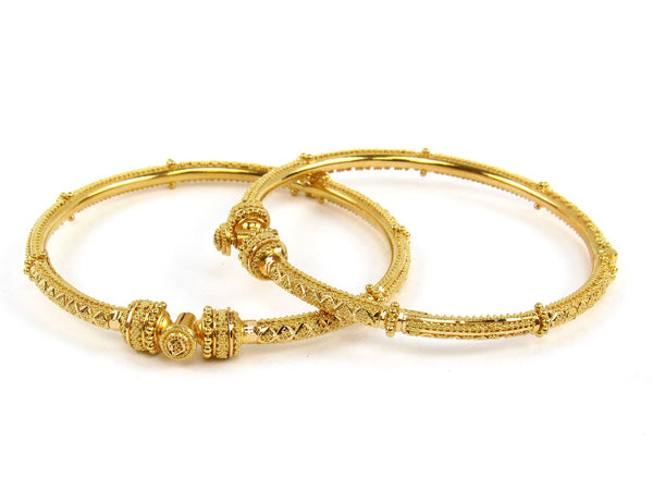 28.00g 22Kt Gold Pipe Bangle Set (Sz: 5) - 1913