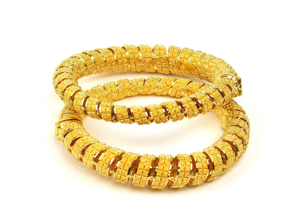 57.80g 22Kt Gold Pipe Bangle Set - 204