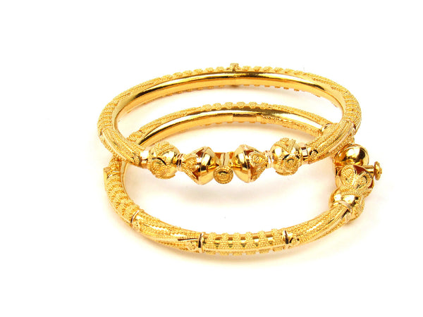 37.70g 22Kt Gold Pipe Bangle Set - 206