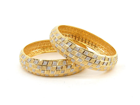 36.1g 22Kt Gold Bangle Set (Sz: 4) - 2368