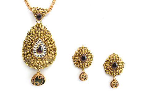 33.50g 22kt Gold Antique Pendant Set India Jewellery
