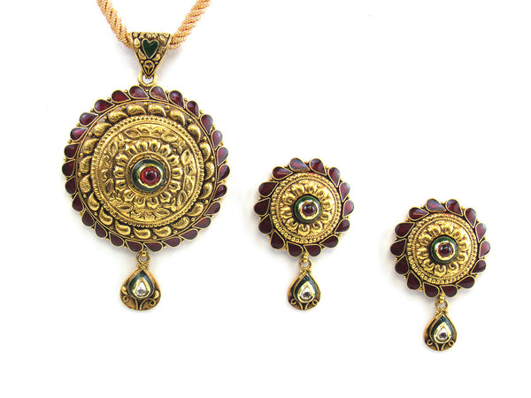 26.50g 22kt Gold Antique Pendant Set - 179