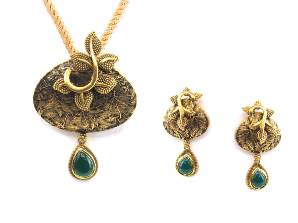 24.10g 22kt Gold Antique Pendant Set - 184