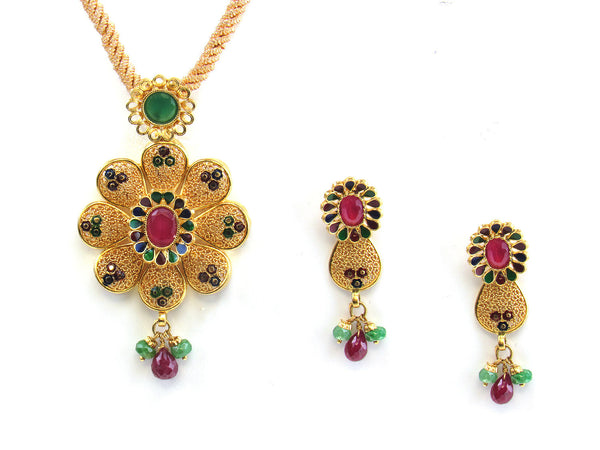 21.30g 22kt Gold Antique Pendant Set - 187