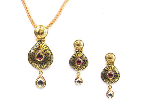 15.55g 22kt Gold Antique Pendant Set India Jewellery