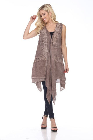 81471 Vest with lace trim