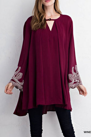Key Hole Dress with Embroidered Sleeves