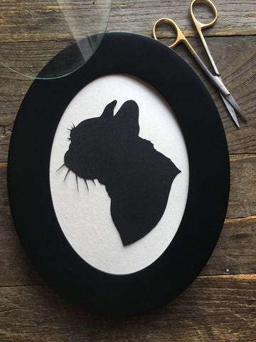 Oval Framed Custom Pet Portrait - Pet Memorial Gifts - Silhouettes by Elle
