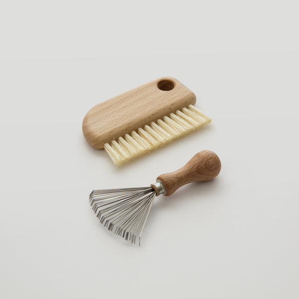 less – Hairbrush cleaner set