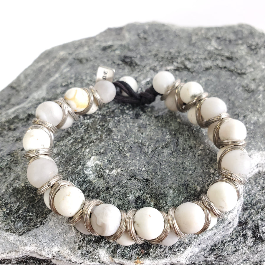 White Turquoise and Silver Macramé Bracelet