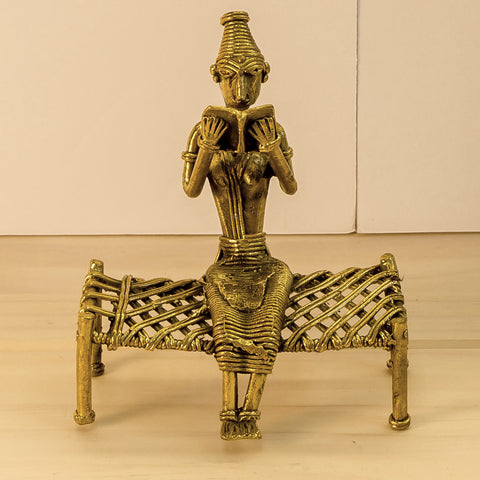 Dhokra/Dokra Art,Hand crafted,Tribal art. Lady Reading.