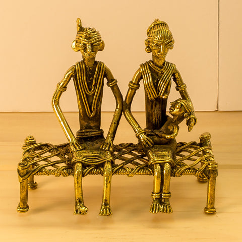 Dhokra/Dokra Art,Hand crafted,Tribal art.Couple with Child.