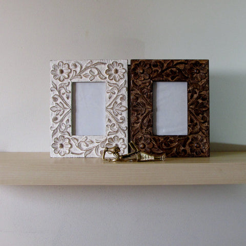 Carved wooden Picture Frame 6 X 4 inches.Abha