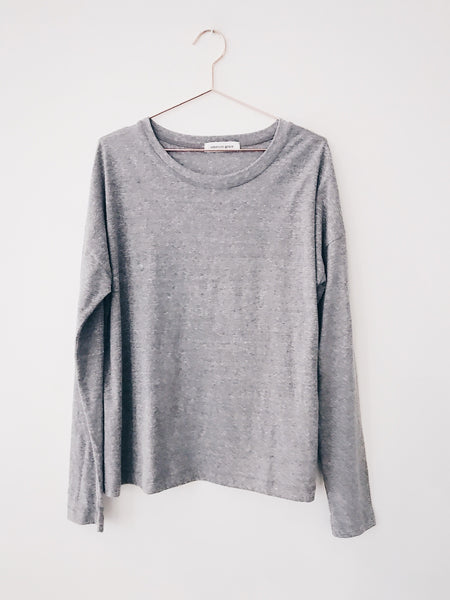 Emerson Grace - Basic Relaxed Long Sleeve Crew Neck Tee, Heather Grey - Therapy & EG Page