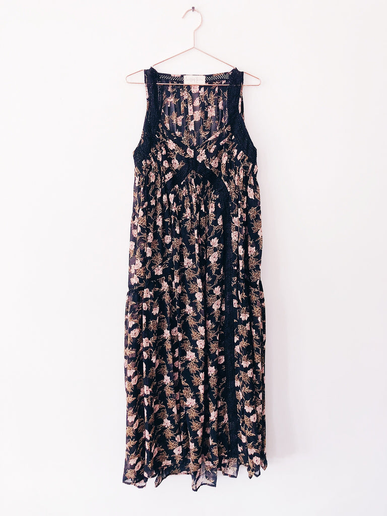 Laissez Faire - Genevieve Flowy Floral Dress - Therapy & EG Page