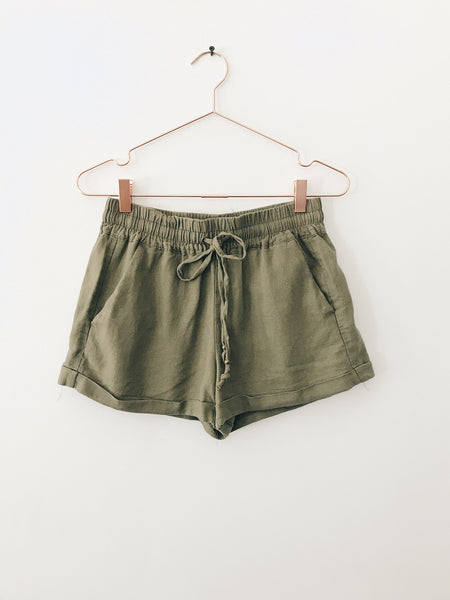 Emerson Grace - Linen Shorts, Olive - Therapy & EG Page