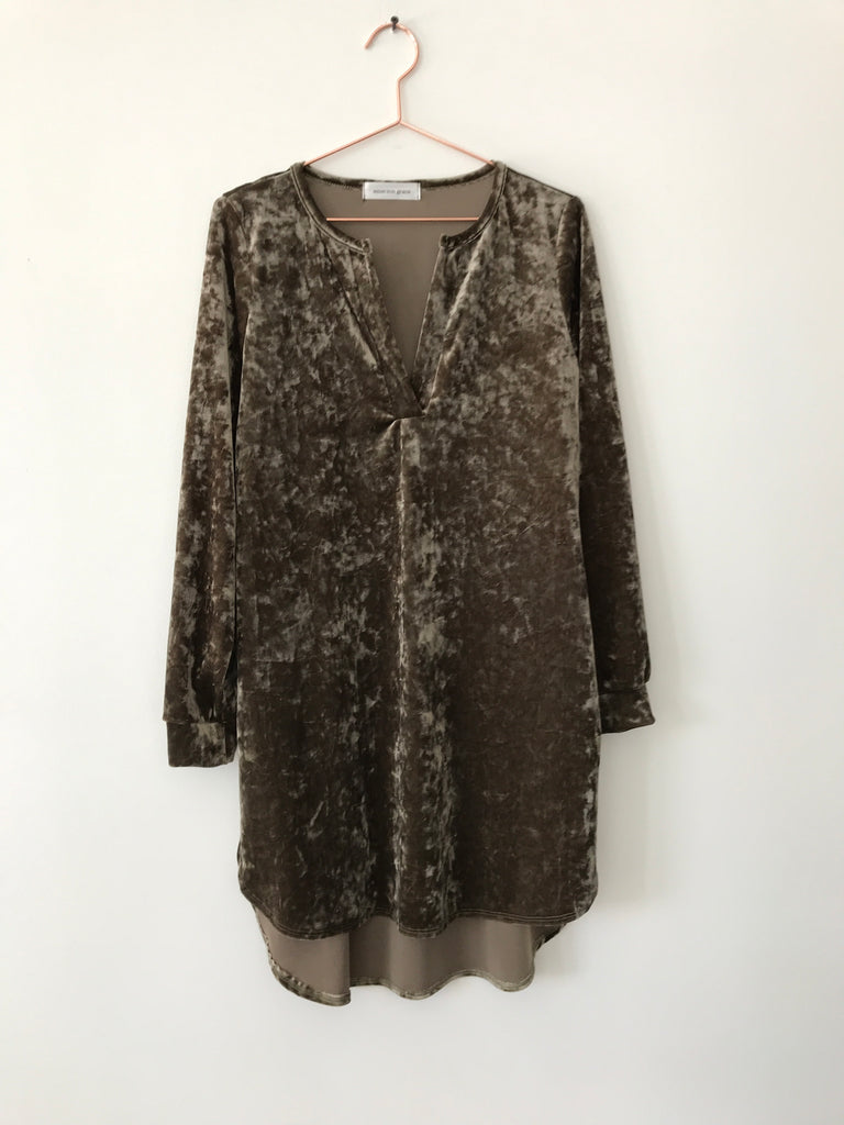 Emerson Grace - Long Sleeve Velvet Tunic Dress, olive - Therapy & EG Page