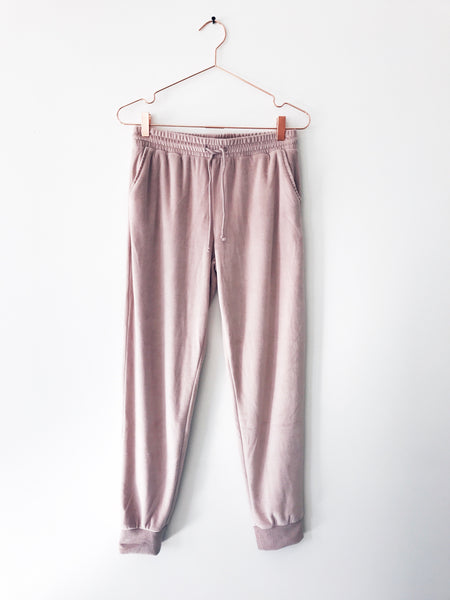 Emerson Grace - Velour Sweat Pant, powder - Therapy & EG Page