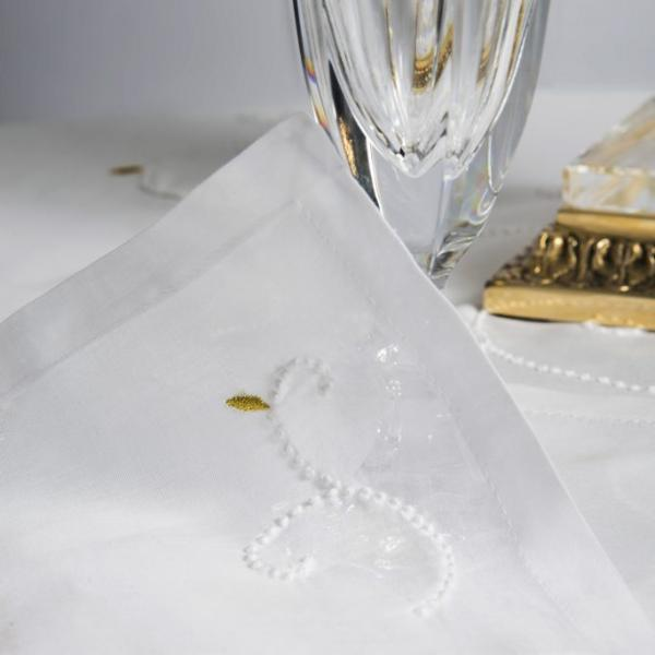 Table Linen Hand Embroidered: Castelllot