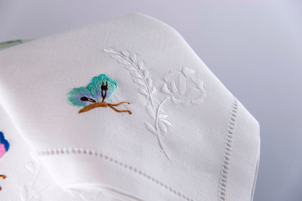 Hand Embroidered Bed Linen: L'envolée