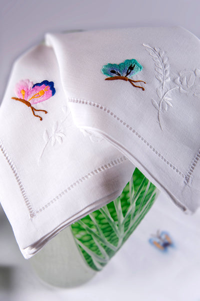 Table Linen Hand Embroidered: L'envolée