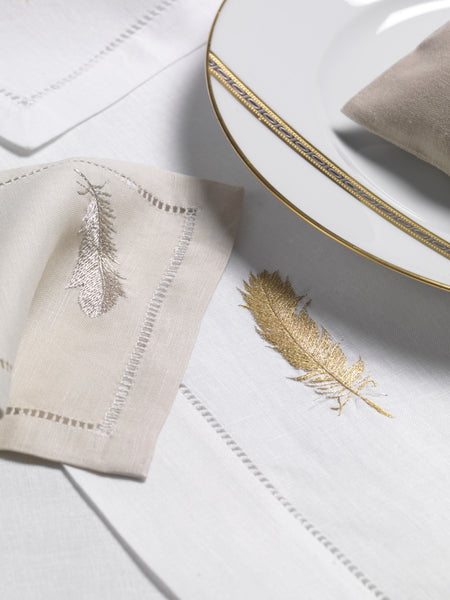 Table Linen Hand Embroidered: Plumes