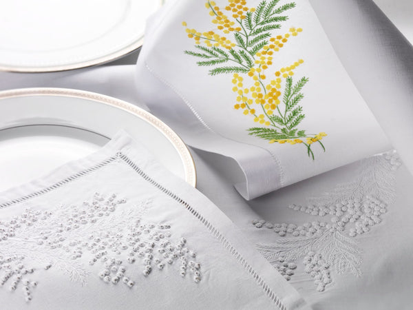 Table Linen Hand Embroidered: Elegance