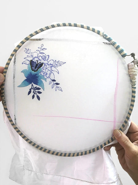 Table Linen Hand Embroiderd: Papillon