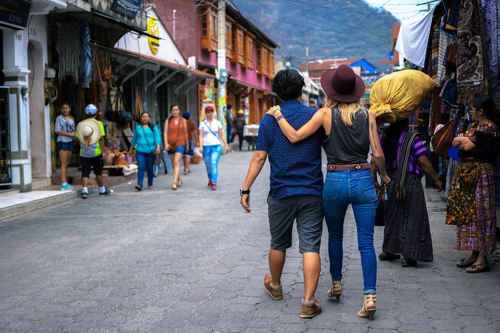 hiptipico blog, ethical fashion, alyssa and diego, girlboss, living abroad, female travel blog, calle santander, Guatemala travel, panajachel, guatemala coffee shop